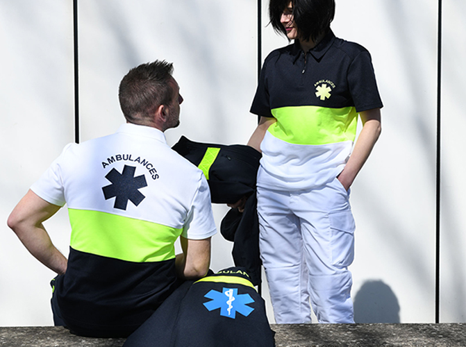 Ambulancier, vêtements, polo